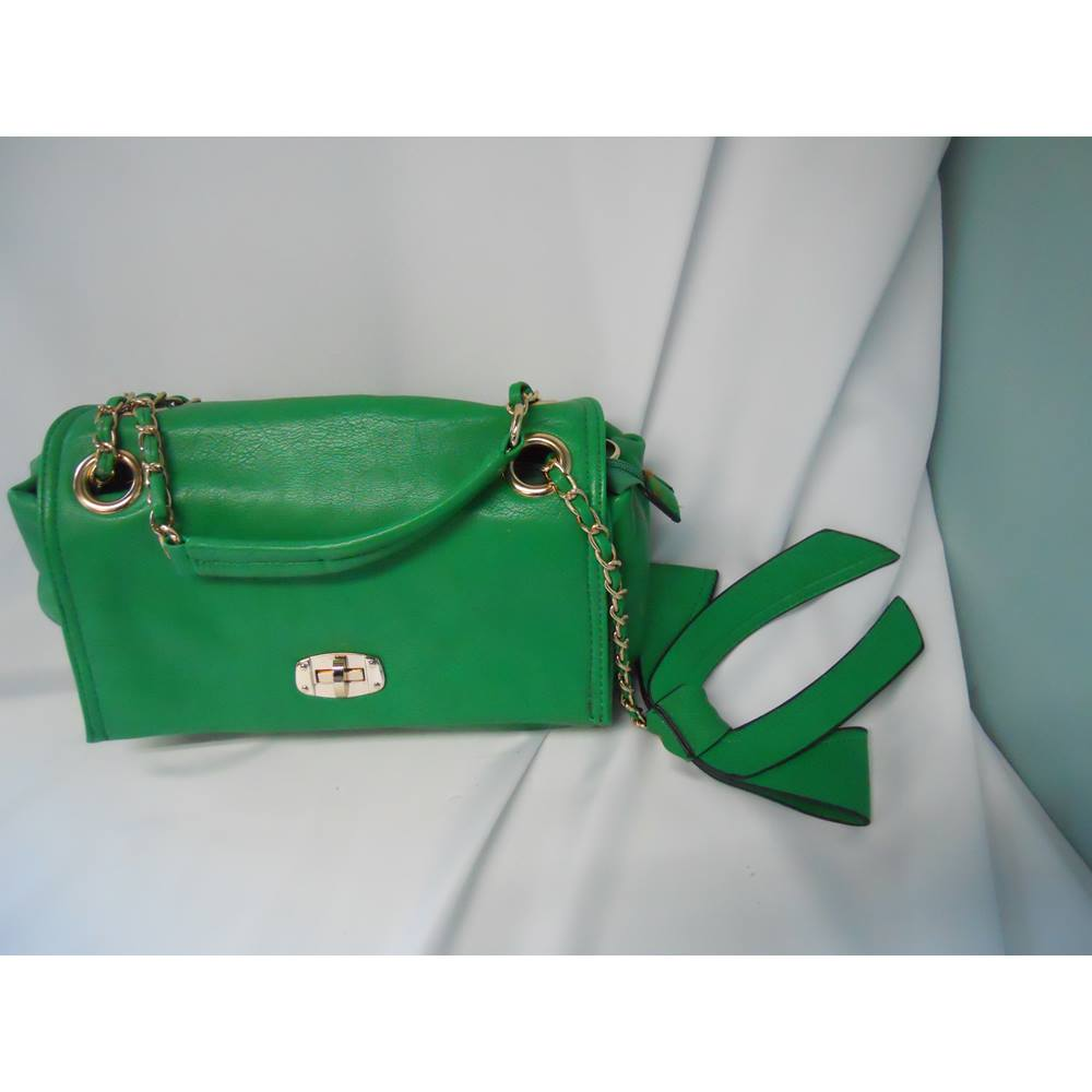 Bessie Of London Pea Green Leather Bag Loading Zoom