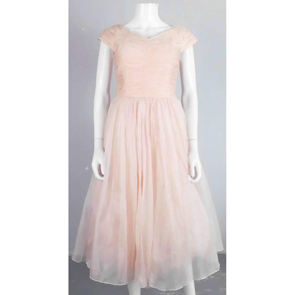 Bnwot wonderful ted baker size 10 rose pink tea length for Oxfam wedding dress shop