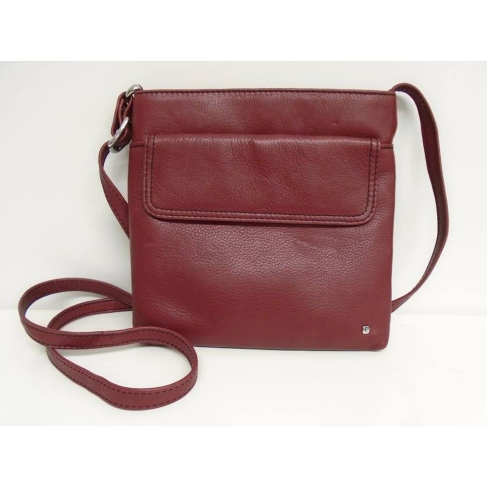 Tula - Burgundy - Leather - Cross body bag. Loading zoom
