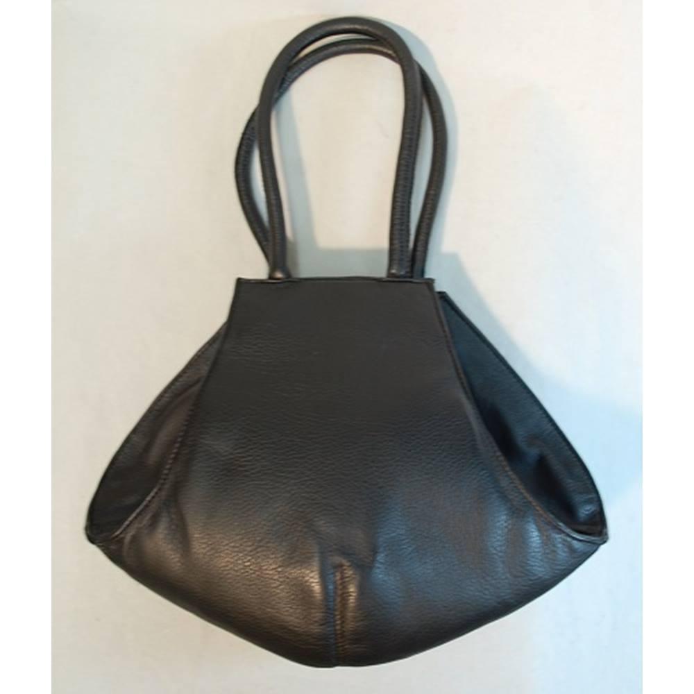 9808e8ac00d1 Buy Designer Leather Handbags – Hanna Oaks