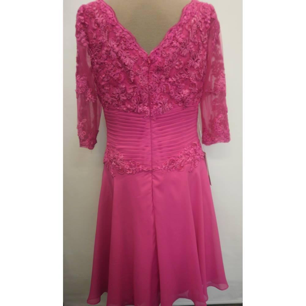 ca2f9e3fa2fe0 BNWT Fuchsia Special Occasion Dress JJS House - Size: 14 - Pink ...