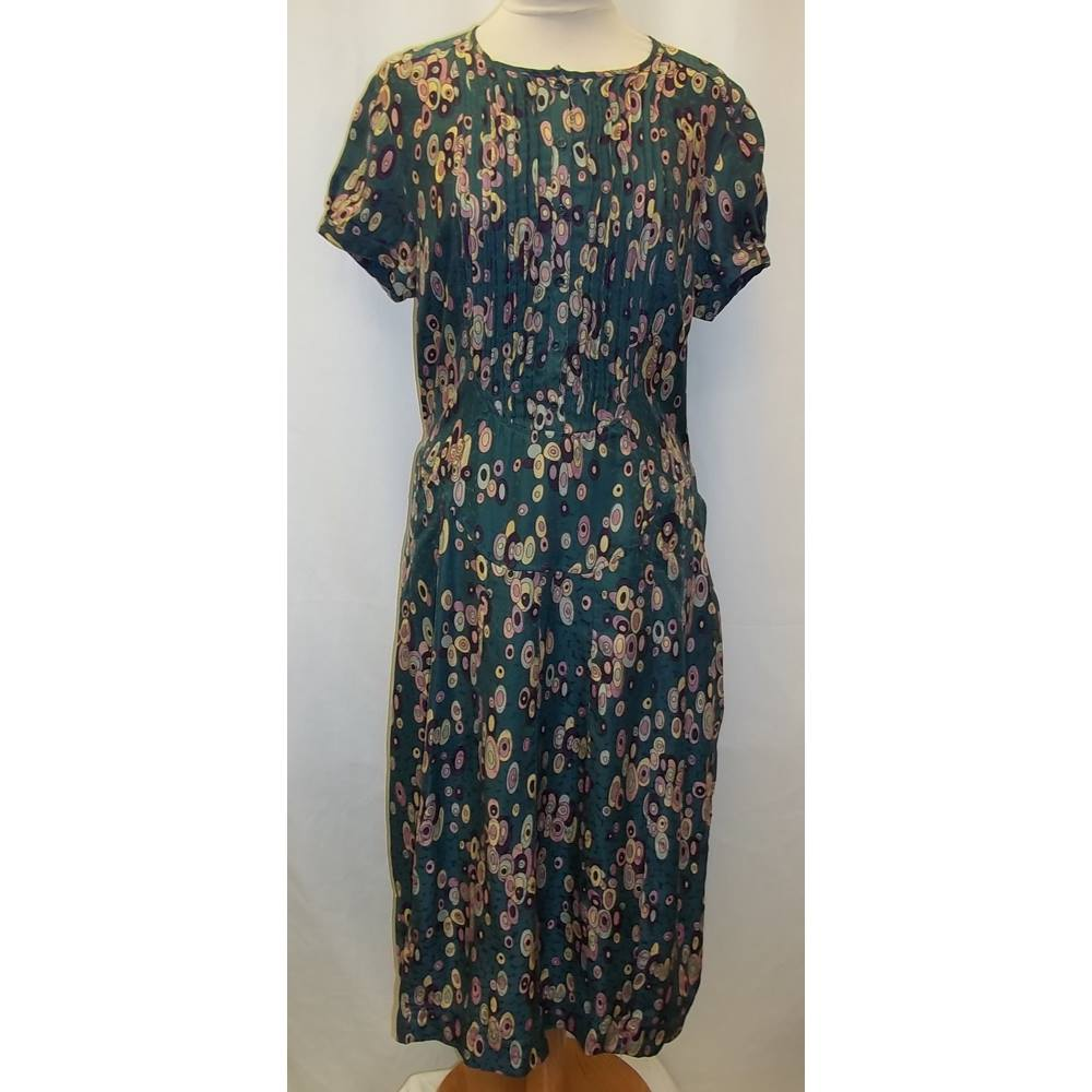 898e91ec83 Rutzou - Size  M - Green - Knee length dress - 100% silk