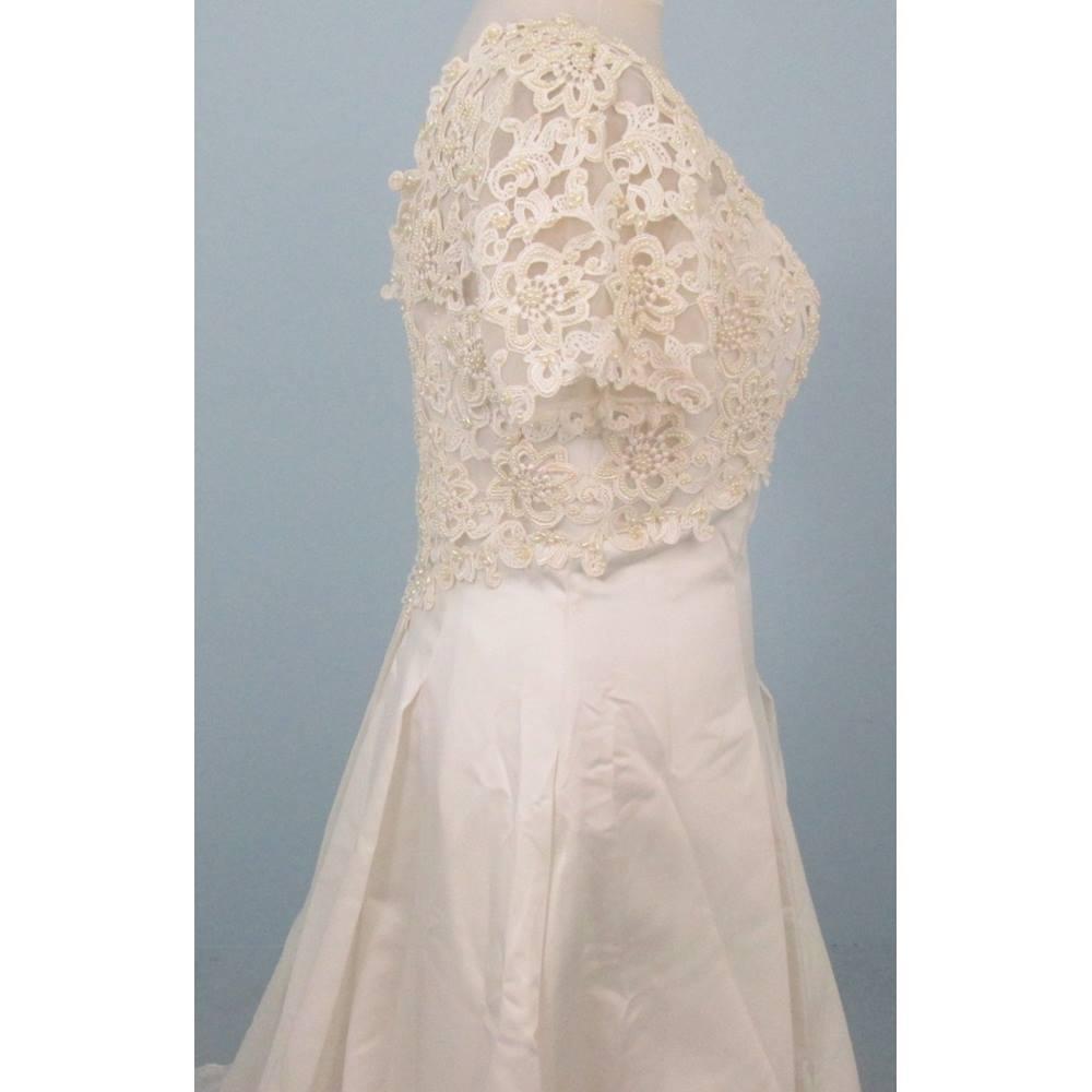 Nice Oxfam Wedding Dress Illustration - All Wedding Dresses ...