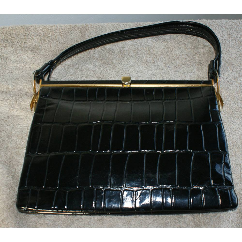 Vintage Designer Jane Shilton Black Patent Leather Shoulder Handbag Size Loading Zoom