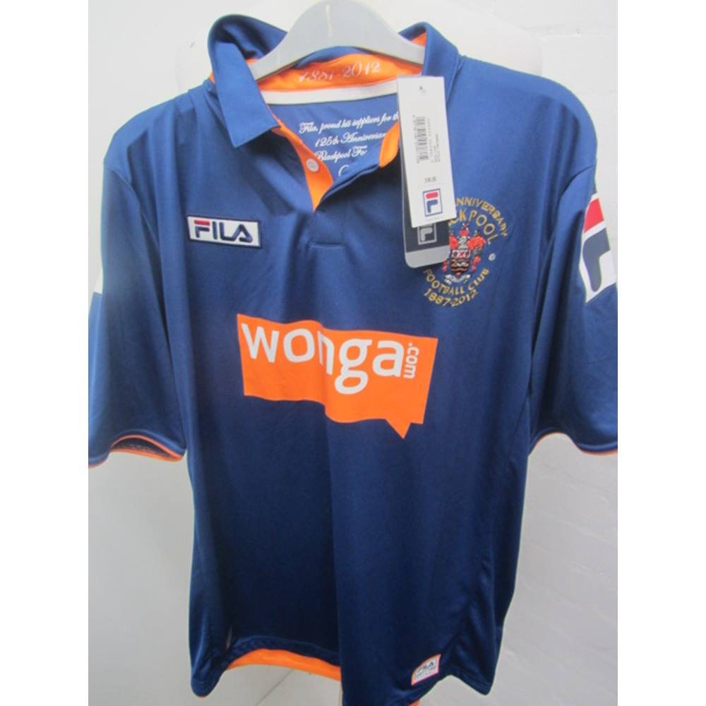 b56475d9c180c Mens Blackpool football club size large new with tag | Oxfam GB ...
