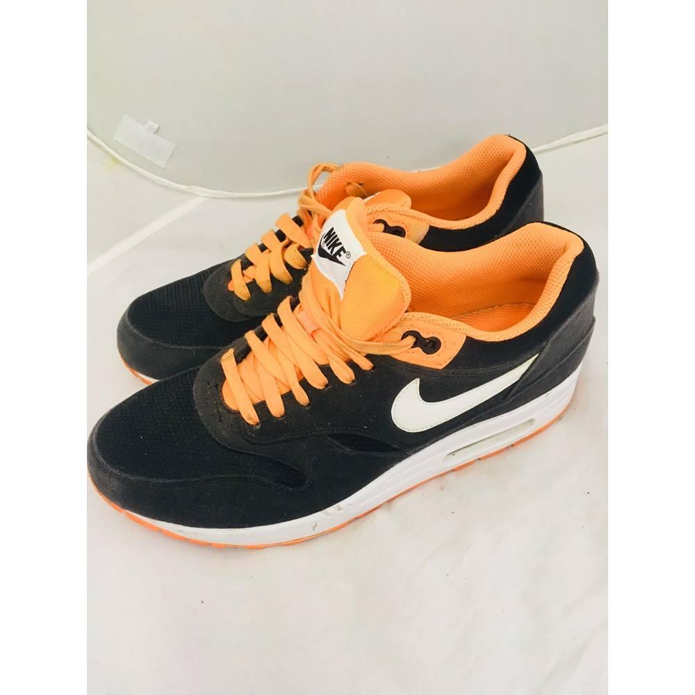 4a3c15d059 Nike Air Max 1 orange and black sports shoes Nike - Black | Oxfam GB ...