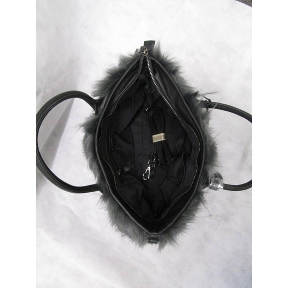 0b86cf09559 Rollover to zoom. Vimoda acacia grey faux fur hand bag new Vimoda - Size  M  - Grey · Alternative product image ...