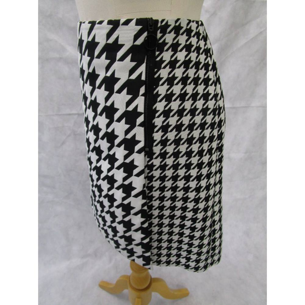 d7e754b2d6 M&S Collection Marks & Spencer - Size: 14 - Black - Mini skirt | Oxfam ...