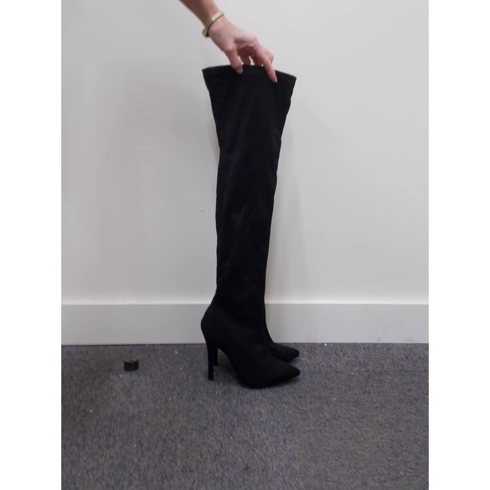 4d7e2141b6b Women s No Doubt shoes - Size  4 - Black. Loading zoom
