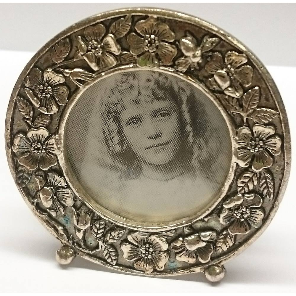 Small Photo Frame By Silver Scenes Vintage Style Oxfam Gb Oxfams