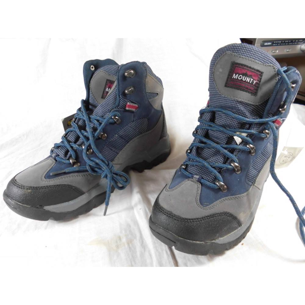 5cabb114576 Blue hiking boots for men or women size 42 8. unused. Lidl Mounty ...