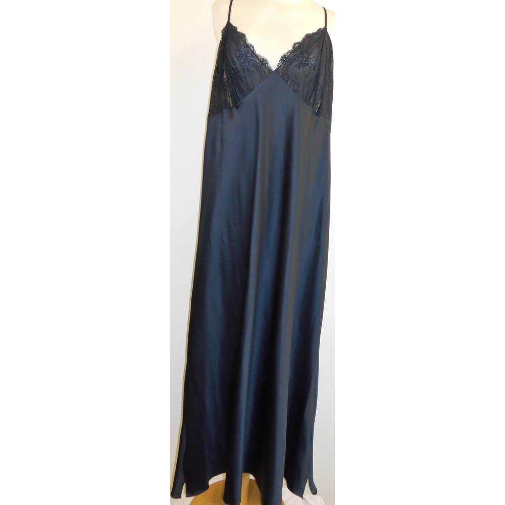 ed18a7124b Night wear M S Marks   Spencer - Size  22 - Black - Nighty. Loading zoom