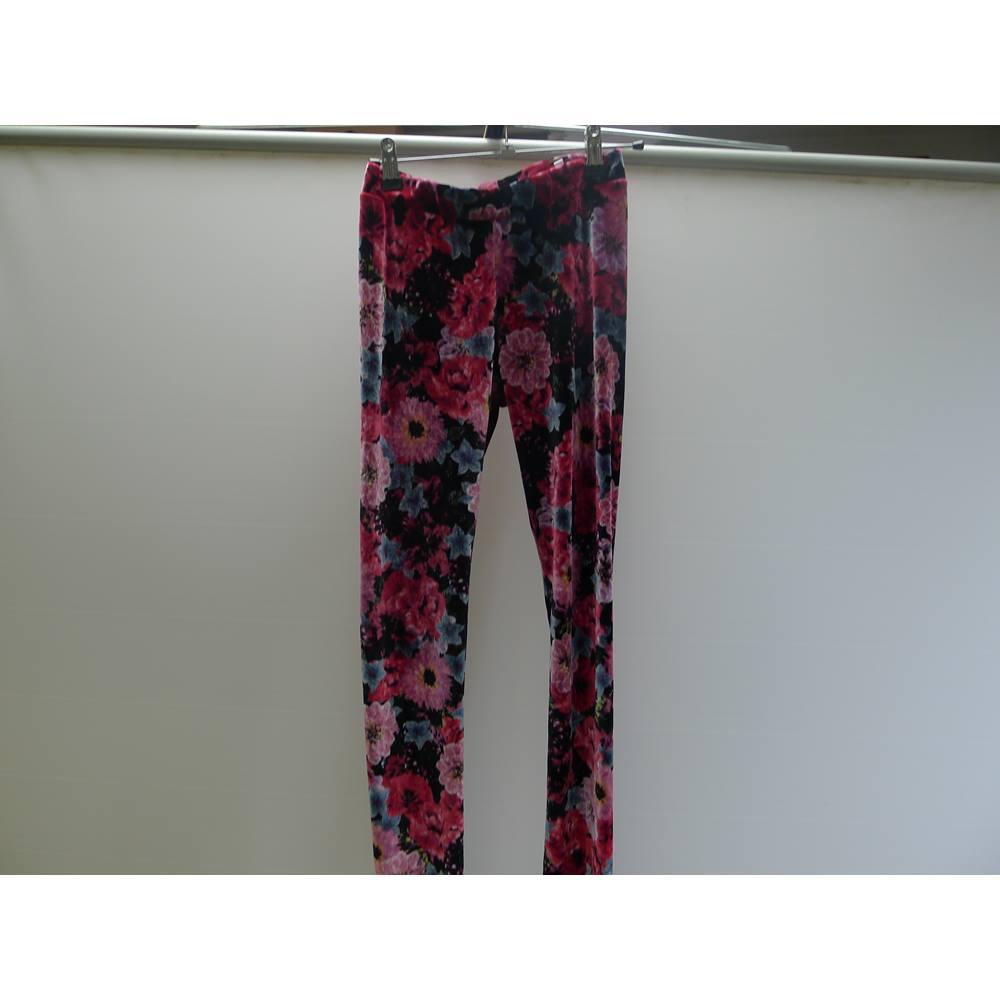 8f652616c5306 H & M Girls velour Leggings H&M - Red - Jeggings / stretch trousers.  Loading zoom
