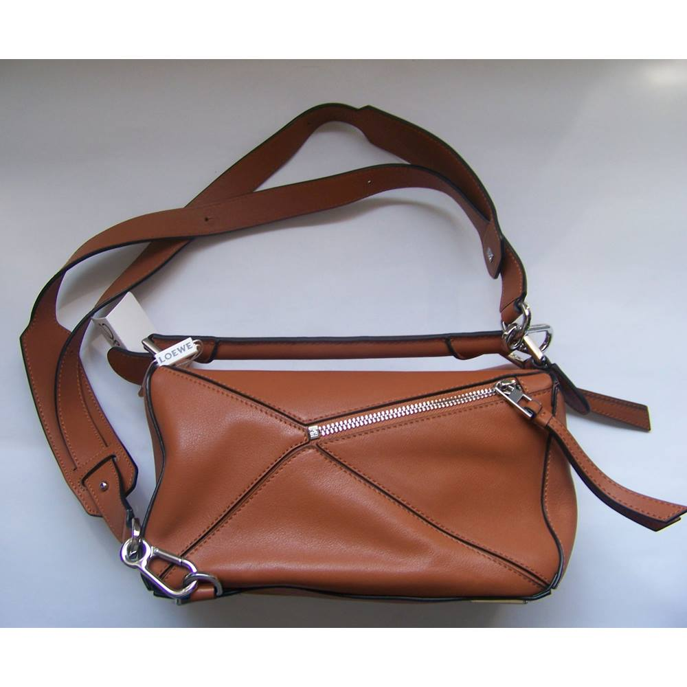 Loewe Puzzle Bag - Tan Classic Calf - Shoulder bag. Loading zoom 751bc8332f5a5
