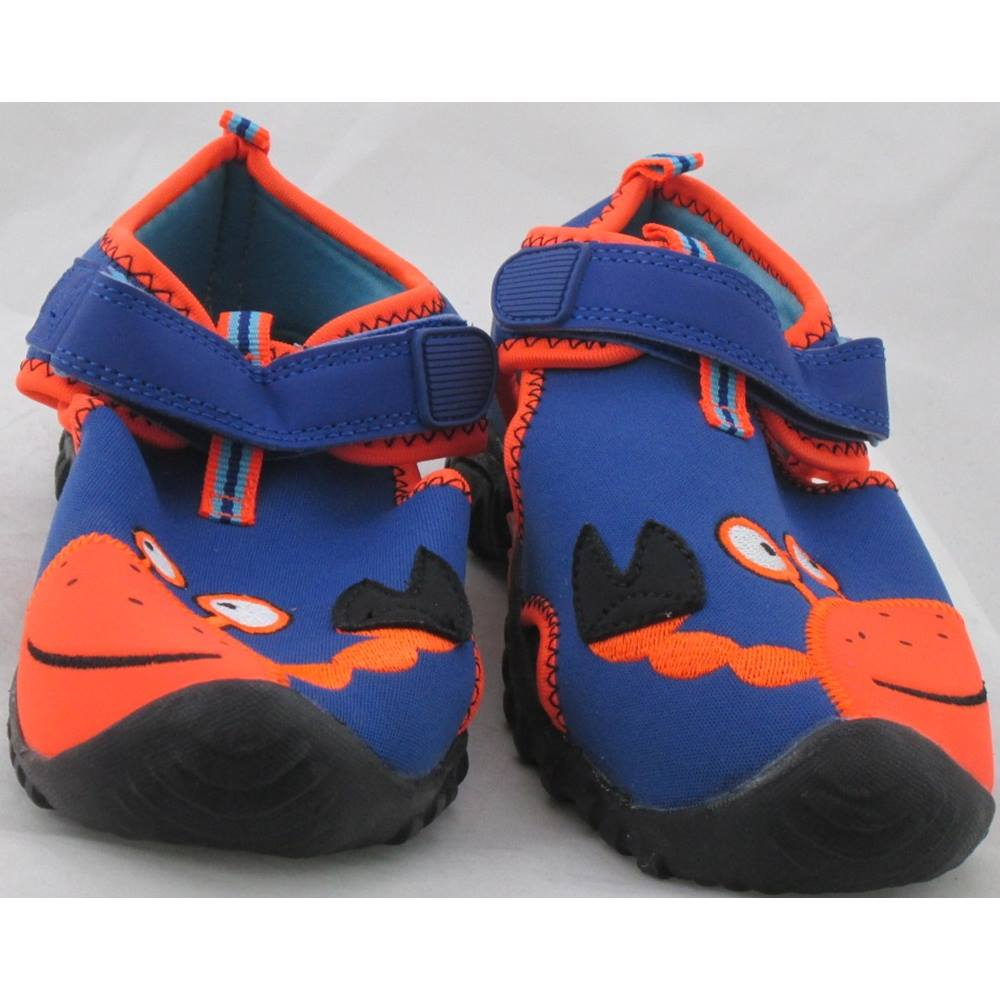 8c708bd4a74f68 ... of beach shoes from M S Kids. Is in a textile upper that has a scuba  fabric feel to it. The main body is blue