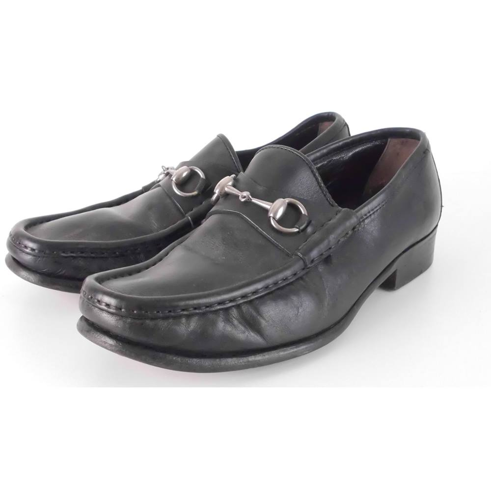 9734fb4a2c3 Gucci Size  8 Black Leather Classic Horsebit Loafers
