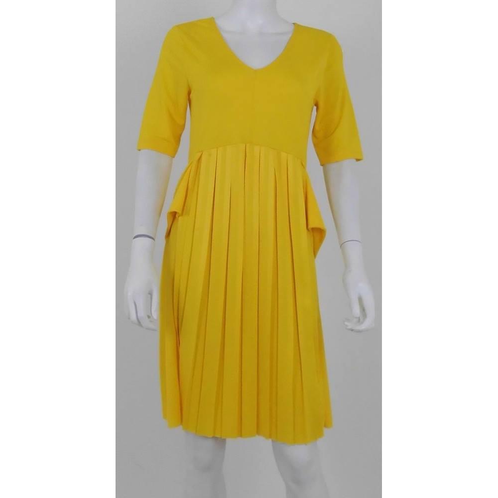 b4212f2dd68 ASOS Size  10 Yellow Knee Length Dress