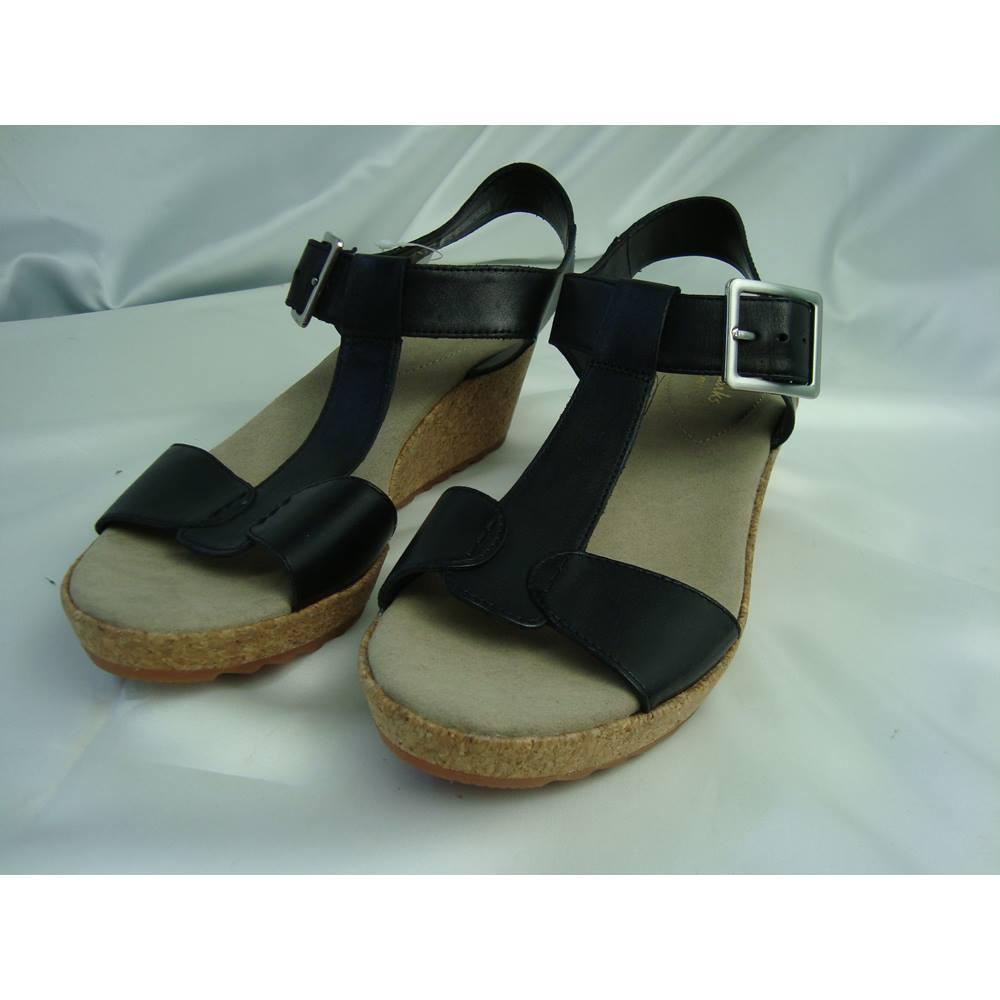 63545c9ab62d BNWT Clarks Kamara Kiki Black Leather Wedge Sandals - size 6D ...