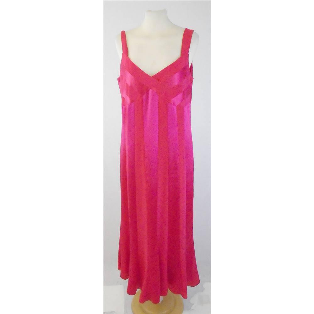 4f4c90277f0 Precis Petite Size 14 Fuschia Sleeveless Evening Dress For Sale in ...
