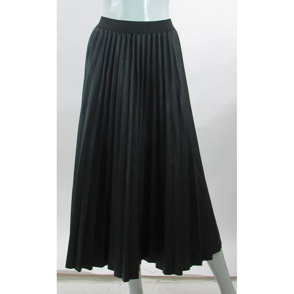 8899946d069 BNWOT - M S Marks   Spencer - Size  20 - Black - Leather Look Pleated. Loading  zoom