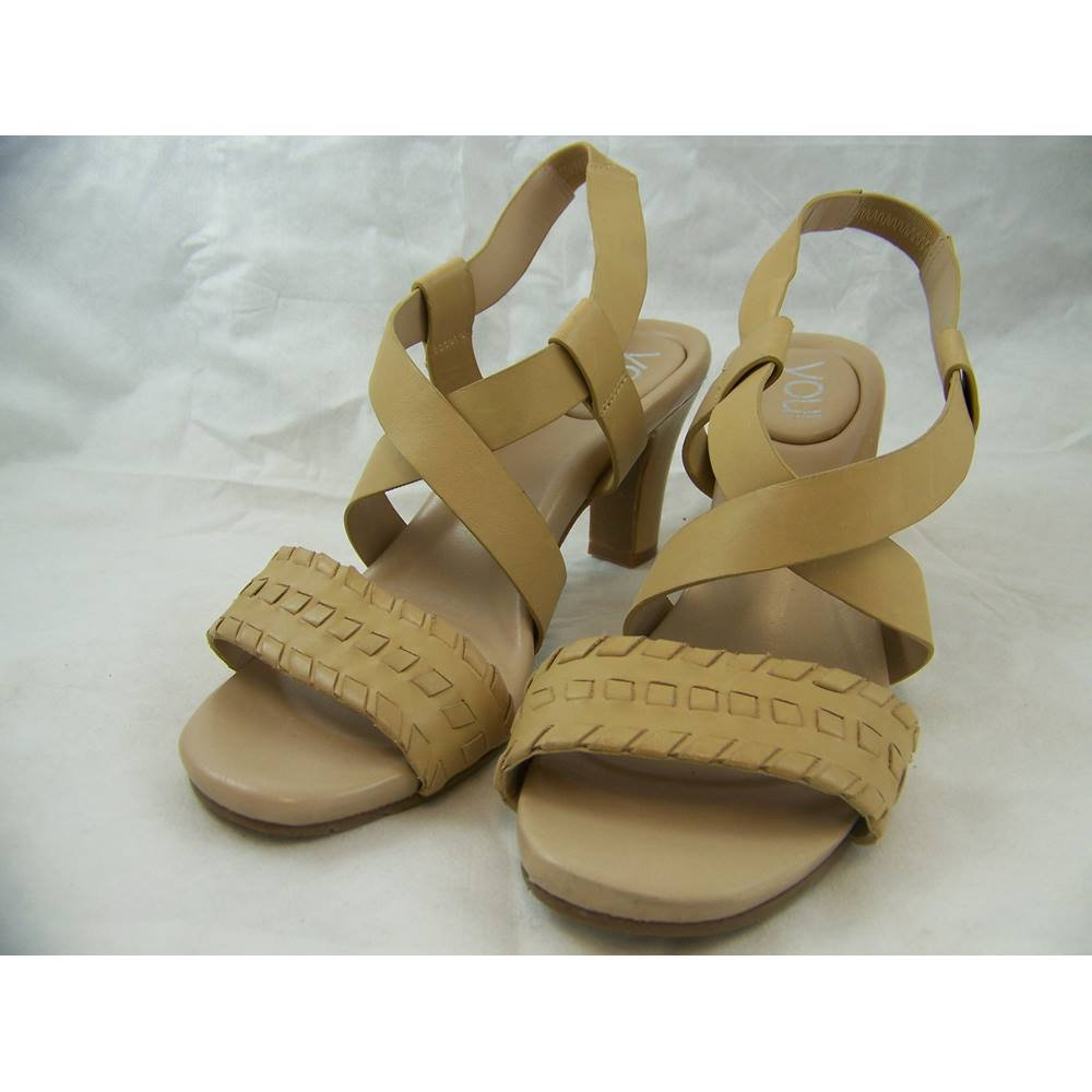 5100eb52cb29 You by Crocs - Size  6.5 - Natural - Marjess Sandals