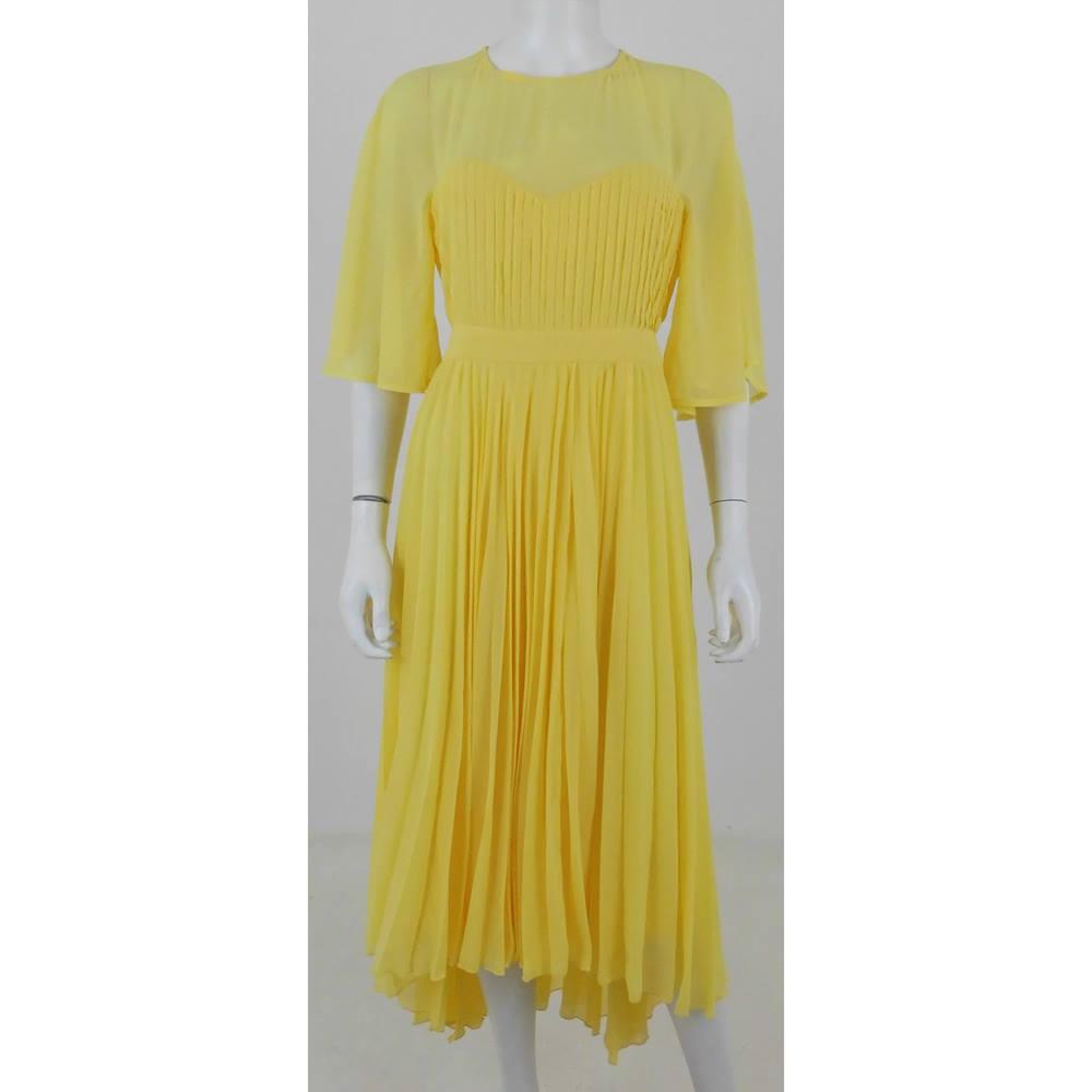 5d9f5425514 BNWT ASOS Size 10 Canary Yellow Summer Dress