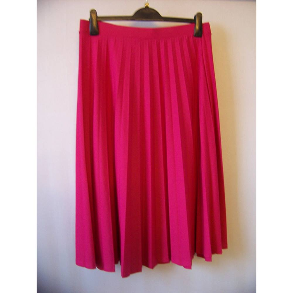 822255875 M&S Marks & Spencer - Size: 10 - Pink - Pleated skirt   Oxfam GB ...