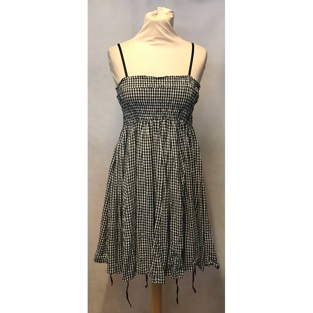 06299ef8de New Look - Size  8 - Black and White Check Dress
