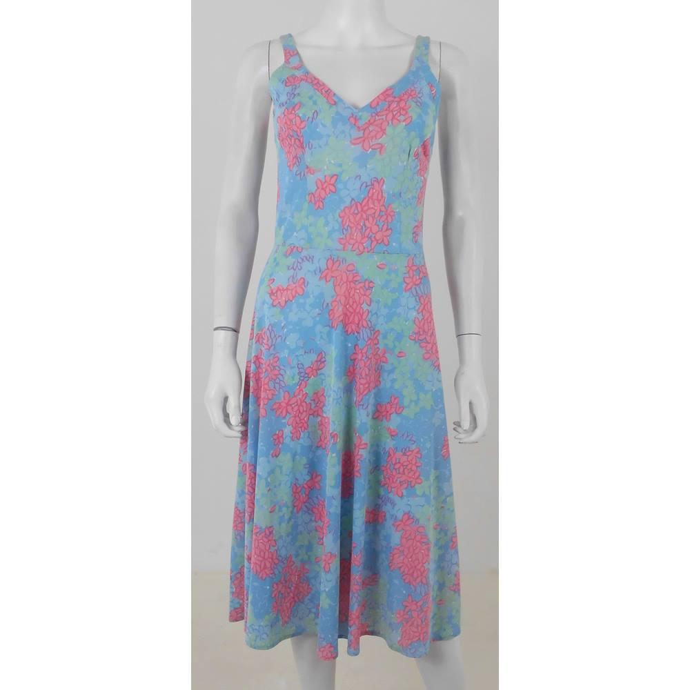 5c6bcecc50e0 STM Paris Size: 8 Multi-coloured Knee length dress | Oxfam GB ...