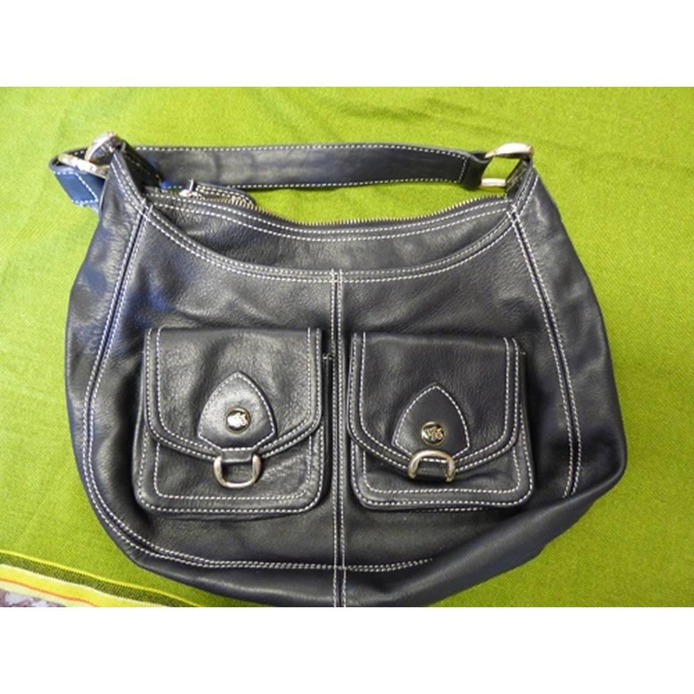e115e30b42a4b0 Ted Baker Handbag Ted Baker - Size  M - Black. Loading zoom