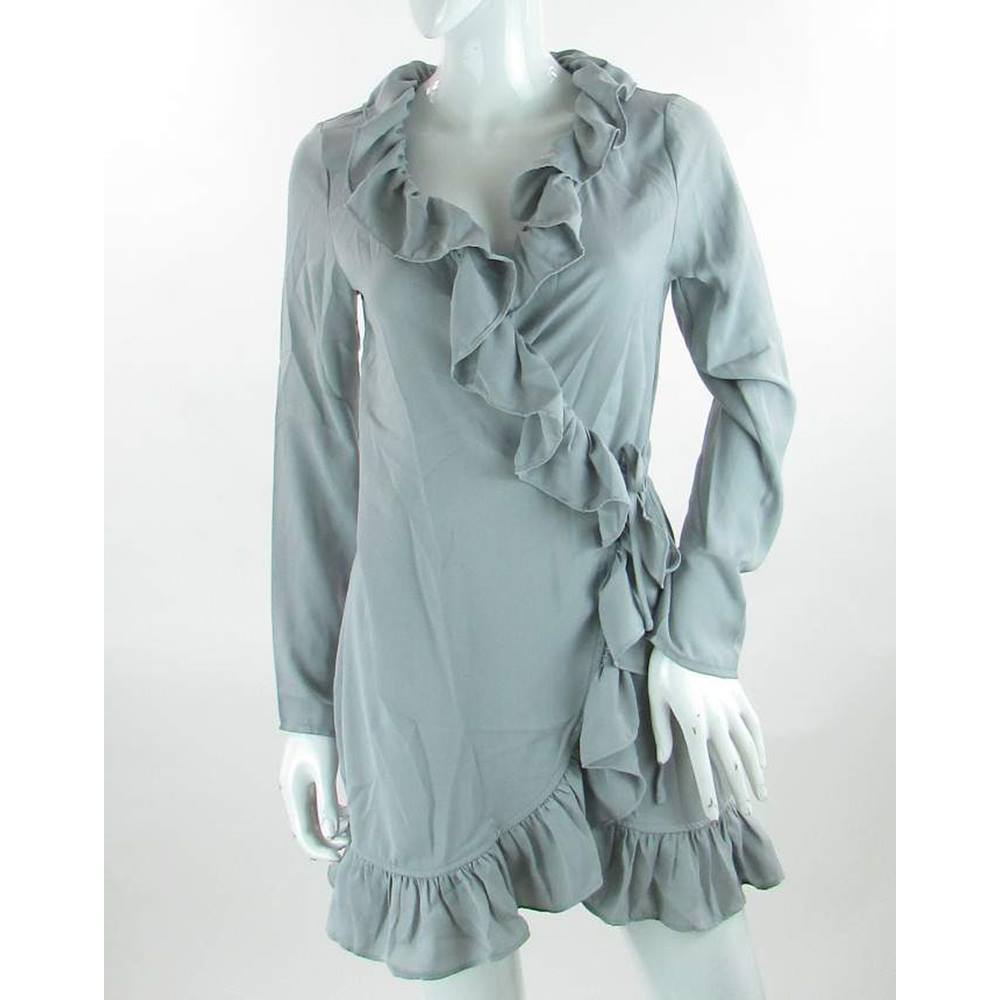 9730ecd3bee BNWT - Pretty Little Things - Size  8 - Ice Grey - Wrap shift dress ...
