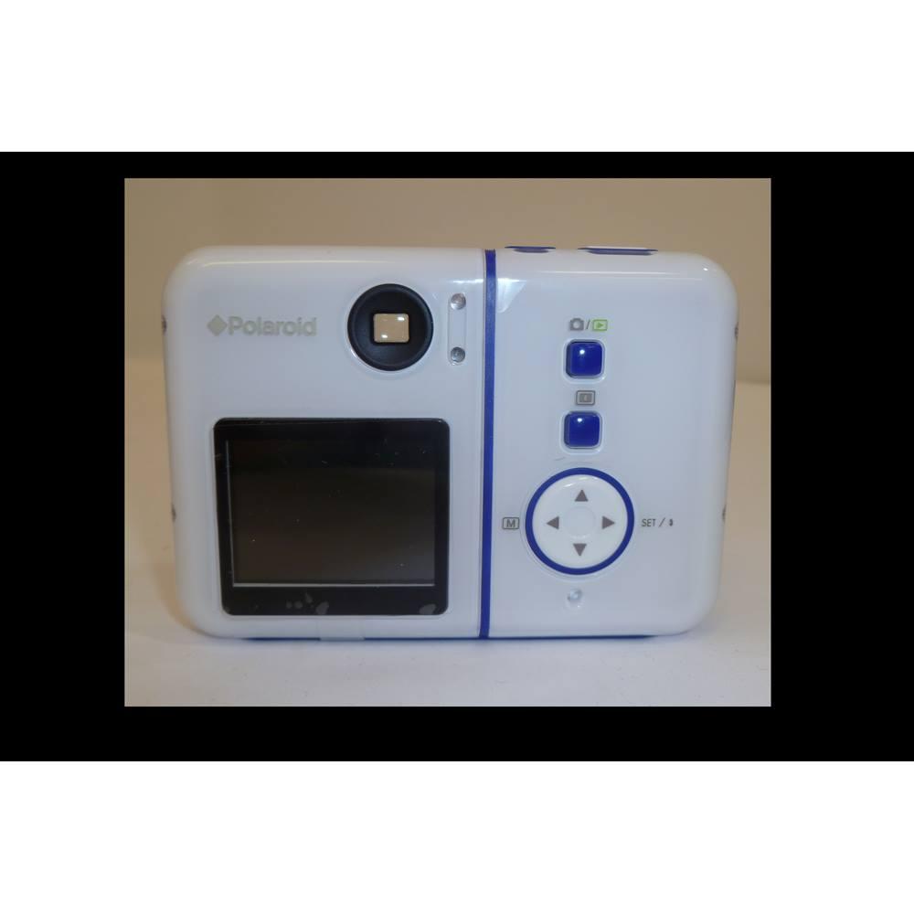 7cd5966751 Polaroid izone 300 3.2 Megapixel Digital Camera. Loading zoom. Rollover to  zoom