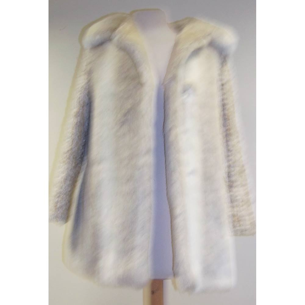 ee4b72d0b Vintage St Michael - Size  10 - Ivory Coloured Faux Fur Coat