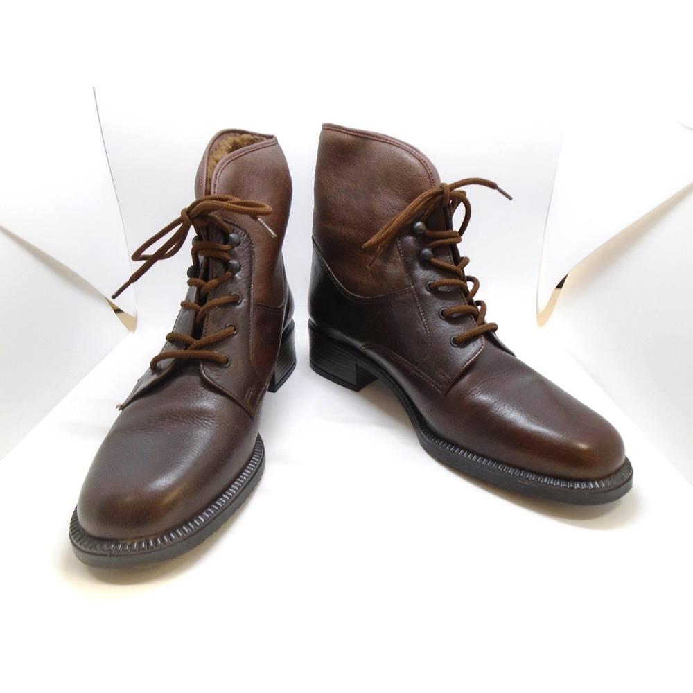 7b1880076a7e1 Lotus BNIB - Size 7 - Vintage Chestnut Brown Ankle Boots | Oxfam GB ...