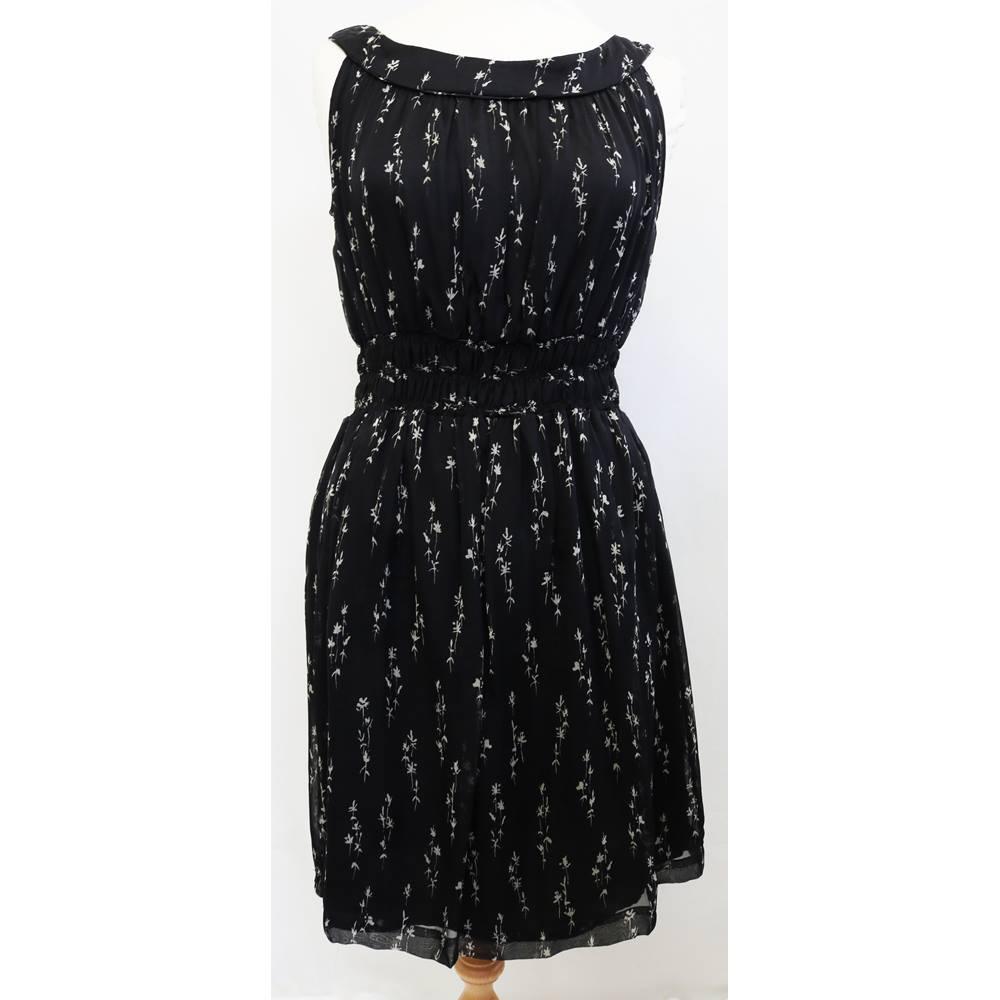 8bb653428f3ff5 Zara - Size  M - Black with grey floral sleeveless dress