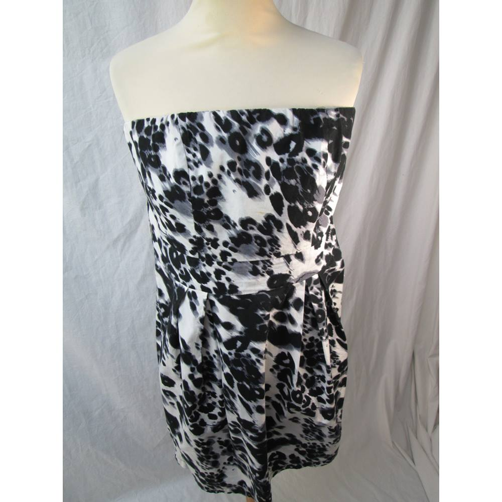fde32d6efe New Look - Size  12 - Black  White Animal Print - Strapless dress For Sale  in Romsey