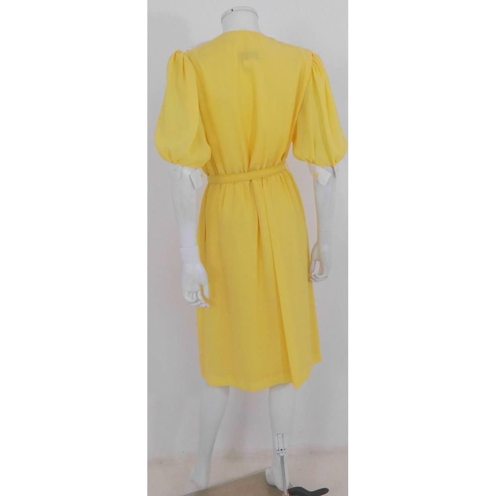 Cute Yellow Vintage Dress
