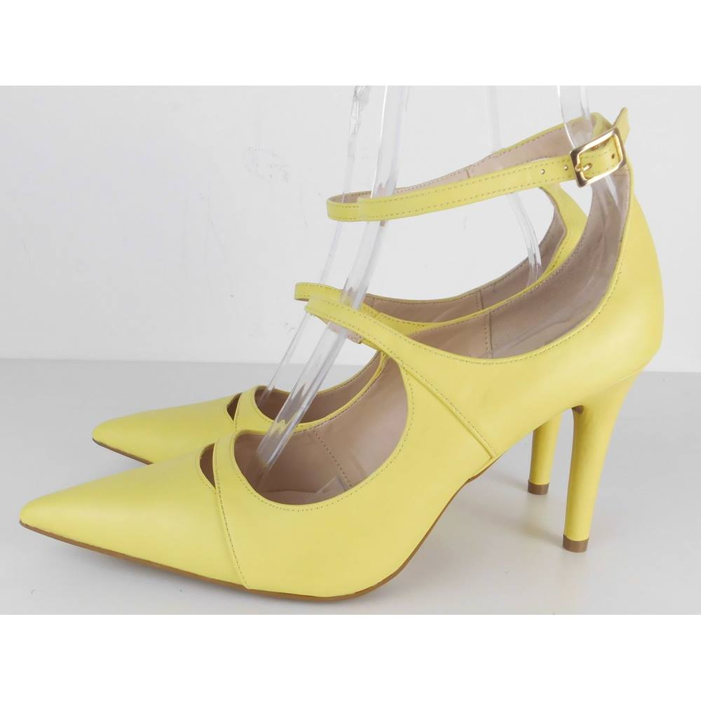 M&S Marks & Spencer - Size: 6 - Yellow - Heeled shoes | Oxfam GB | Oxfam's  Online Shop