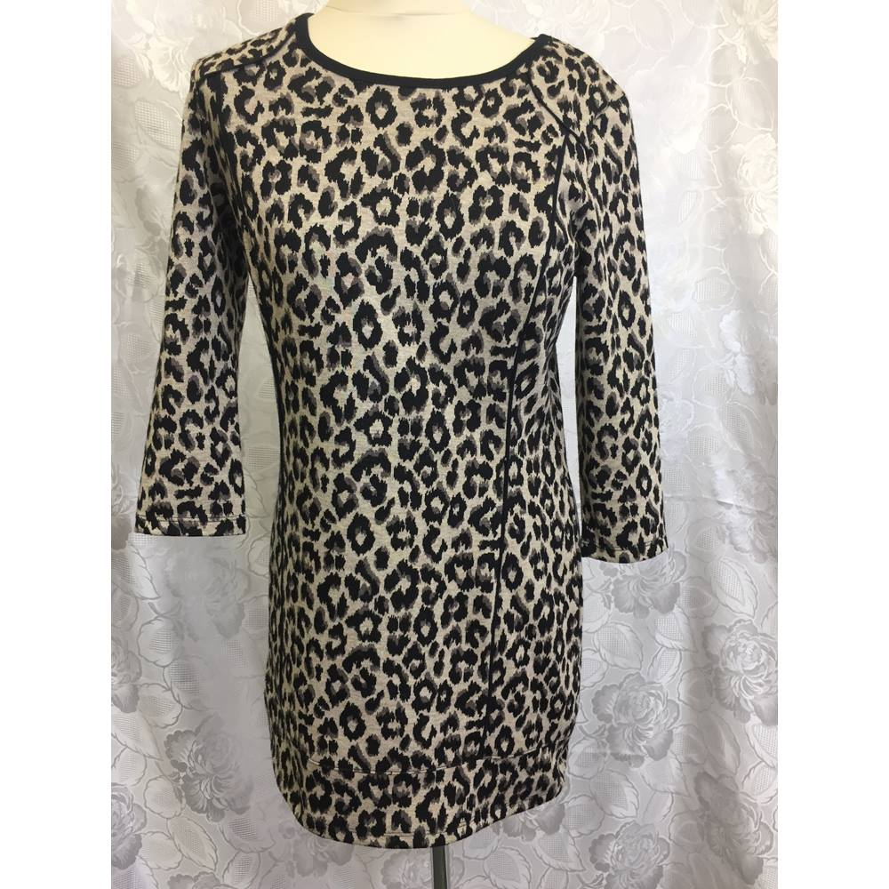 77fa9a4babe1 M and s- tunic-leopard print-size 8 M&S Marks & Spencer -. Loading zoom