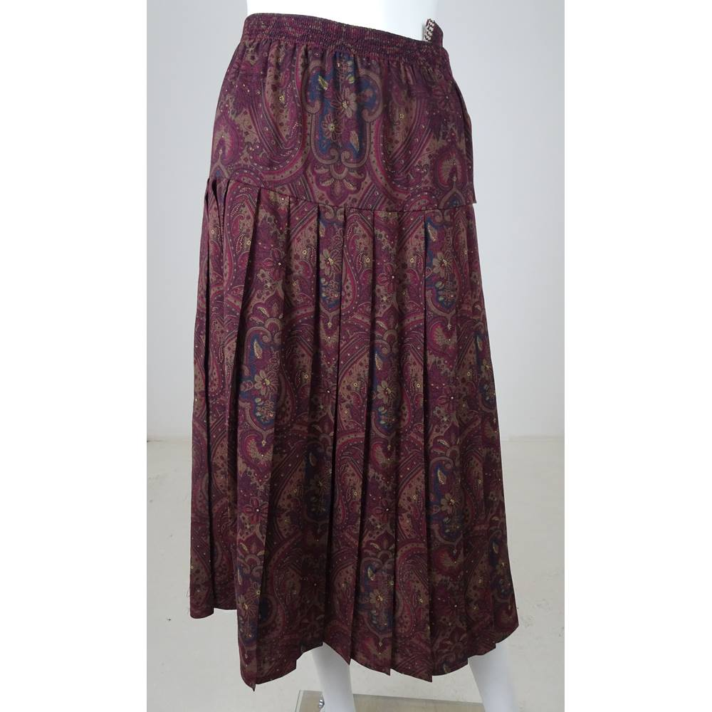 85f7897ddad9b6 Liberty 'Ready To Sew' One size: plus Brown And Burgundy Pleated Skirt.  Loading zoom