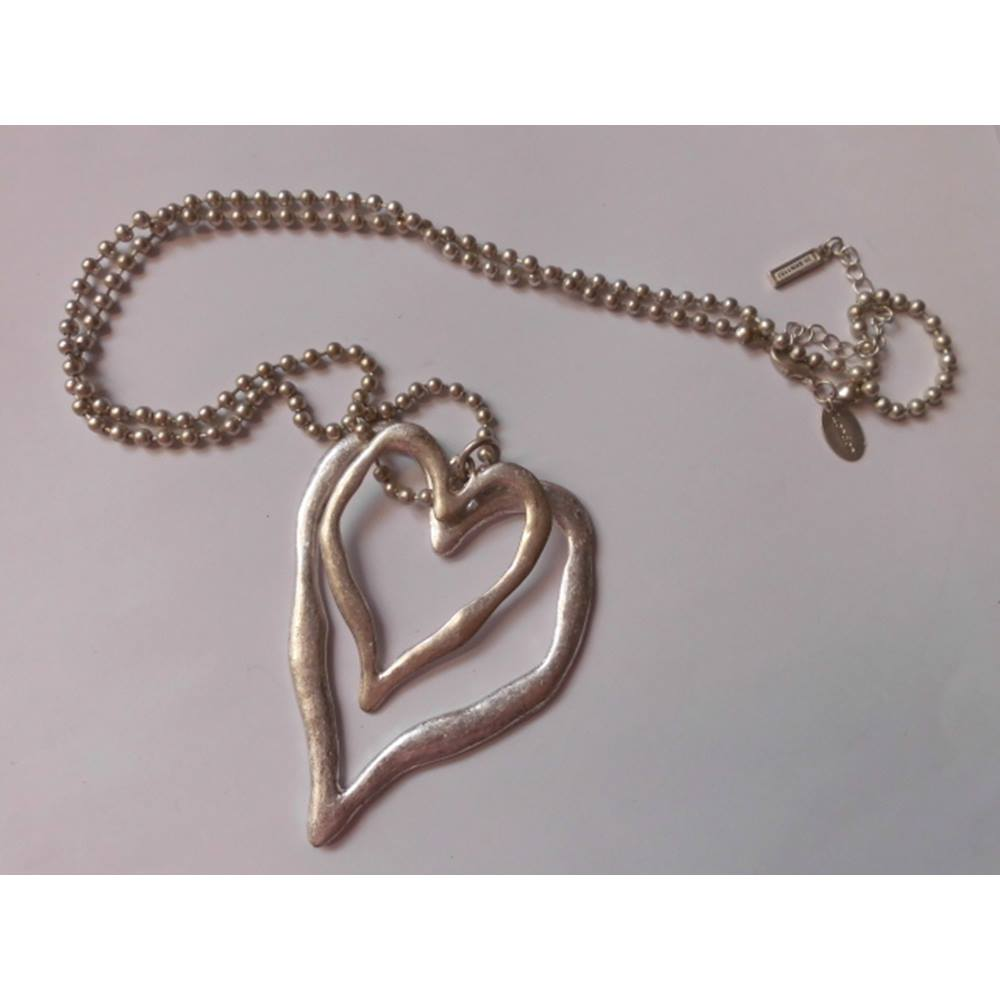 095758649295 Saks London large statement heart necklace Saks London - Size: Large -  Metallics. Loading zoom