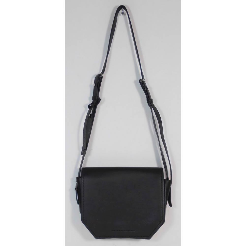 9b7a8a5df05 NWOT M&S Autograph Black Leather Hexegon Shaped Cross-body Bag. Loading zoom