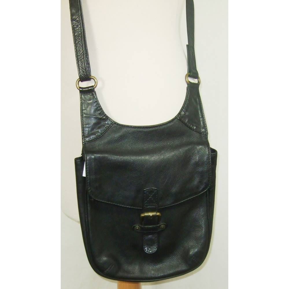 ce4670b71630 Fat Face - One Size - Black -Leather Cross Body Bag. Loading zoom