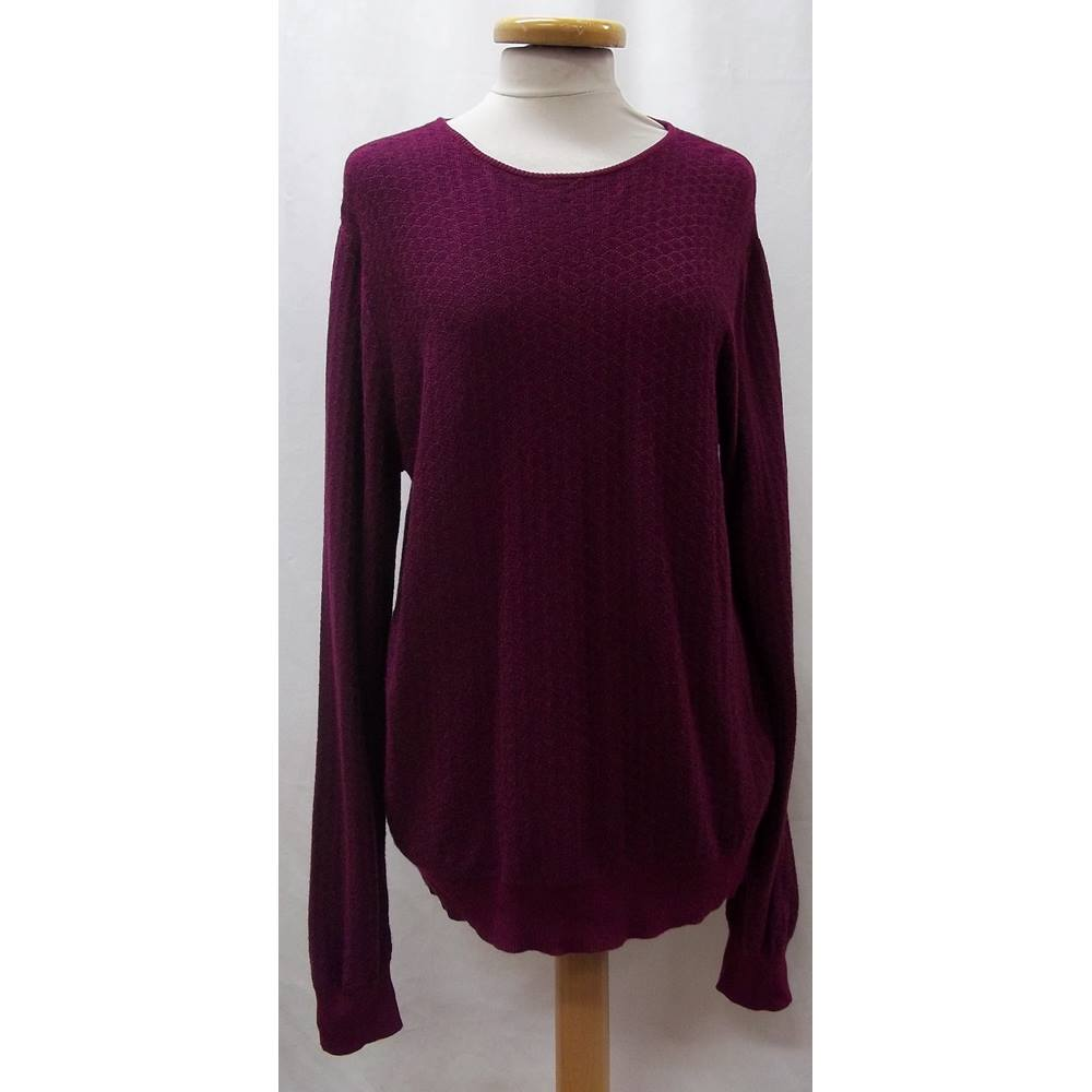 387f754645751 ... jumper is perfect for officewear or any formal occasions. Fabric is  light and self design. Condition is very good. Size -50  L Chest 42 inches  Length-.