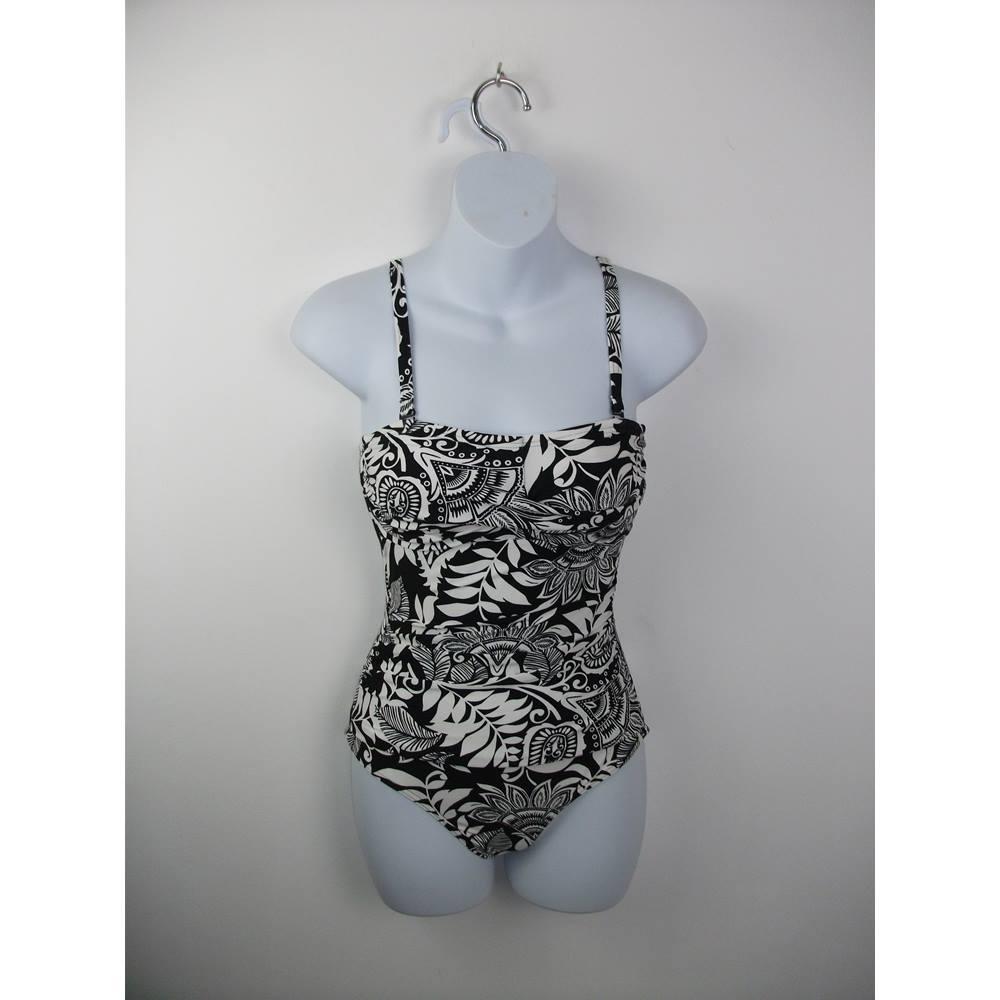 83b766ef11 NWOT Marks   Spencer Black White Patterned Strapless Strappy Swimsuit Size 8