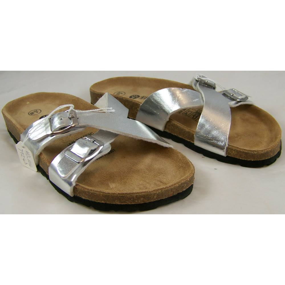 36b98a70e03 Natural Walk by Esmara at Lidl - Size: 4 - Silver - Sandals | Oxfam GB |  Oxfam's Online Shop