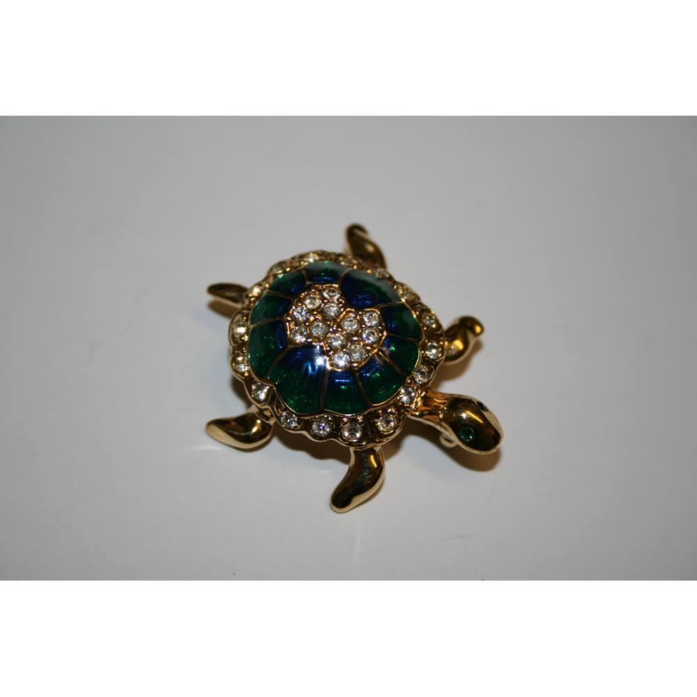 5c966d21f Vintage Attwood & Sawyer enamel and swarovski crystal tortoise brooch.  Loading zoom