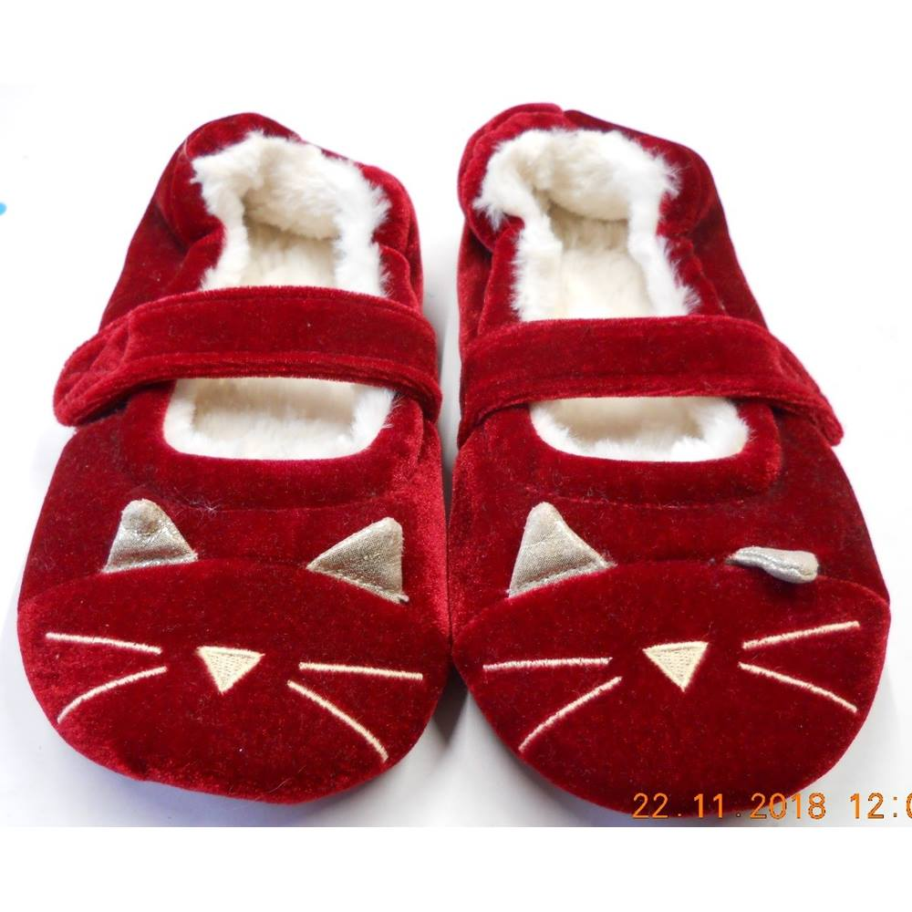 7daa4ba4bd6 ... kid s red velvety cat slippers. Brand new with label on the bottom. RRP  £12 Very soft inside with a velcro strap for a secure fit.