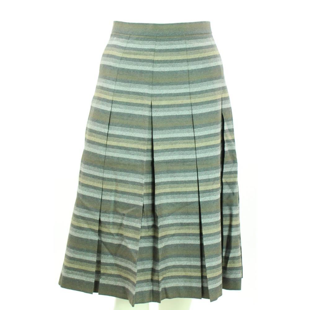 483a6a767 VINTAGE Edinburgh Woollen Mill - Size  8 - Grey - Pure New Wool ...