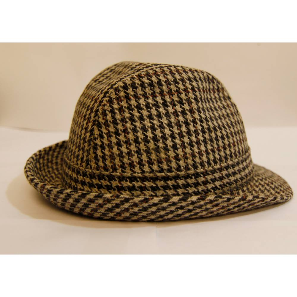 Wool Mixed English Tweed Ladies s Bowler Hat For Sale in London ... e4fe6db7dde